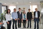 Recepción oficial a  los jóvenes   nadadores locales tras las medallas conseguidas en el Campeonato Nacional
