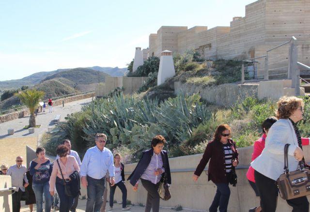 Más de 2.000 personas visitan en Semana Santa la ruta turística que forman las casas cueva tematizadas en el entorno del Castillo de Puerto Lumbreras - 2, Foto 2