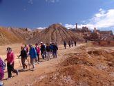 Más de una treintena de personas participan en la ruta de senderismo por las minas de Mazarrón