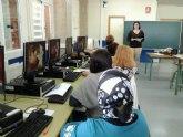Curso de capacitación de cuidadores y aprendizaje de informática