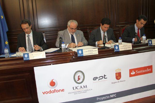 La UCAM, Banco Santander, la EPT y Vodafone, presentan un proyecto de NFC para control de asistencia y acceso al Campus de Los Jerónimos - 2, Foto 2