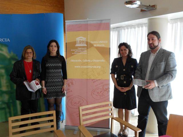 Feria intercultural, conferencias y exposiciones, para celebrar la I Semana Intercultural Hispano-Paraguaya - 1, Foto 1