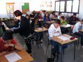 Casi 200 alumnos de colegios de la comarca del Guadalentín participan en la XXIII Olimpiada Matemática que acoge el CEIP 'Tierno Galván'