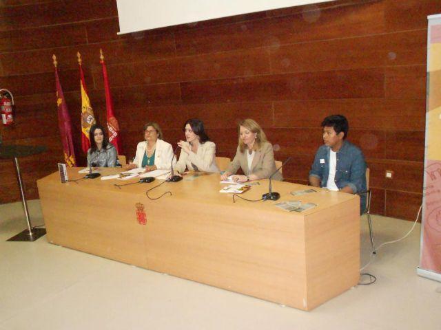 Dos alumnos del IES Miguel Espinosa publican un libro - 2, Foto 2