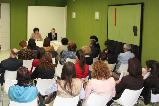 Conferencia sobre Los Rasgos fundamentales del telespectador con motivo del XI Encuentro del Consejo Escolar de la Región de Murcia - 1, Foto 1