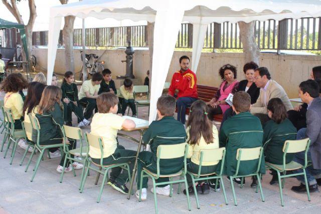 El Alcalde se suma al XV maratón de lectura del Colegio Antonio de Nebrija dedicado al deporte - 1, Foto 1