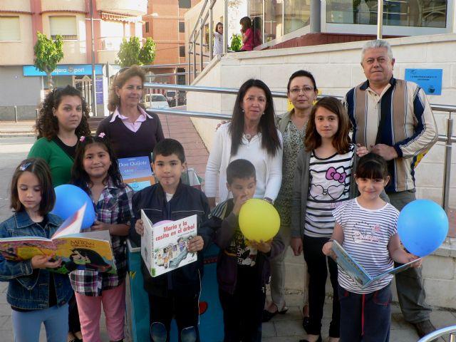 José Espinosa anima a los escolares a beneficiarse de la lectura, Foto 1
