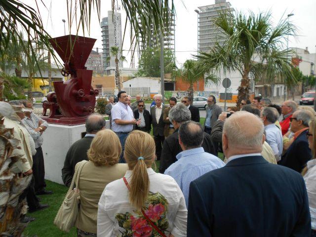 Un monumento en la entrada a Espinardo rinde homenaje a la tradición histórica industria del pimentón - 2, Foto 2
