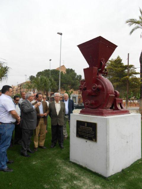 Un monumento en la entrada a Espinardo rinde homenaje a la tradición histórica industria del pimentón - 3, Foto 3