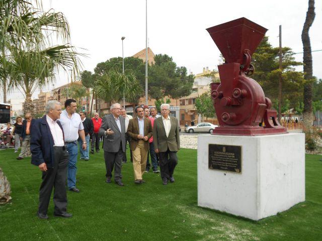 Un monumento en la entrada a Espinardo rinde homenaje a la tradición histórica industria del pimentón - 4, Foto 4