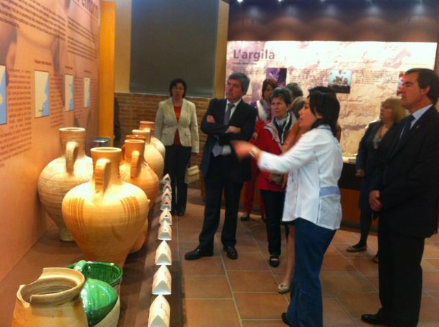 The Craft Fair of the Terrisa (Tarragona) celebrated the Day of the Region of Murcia