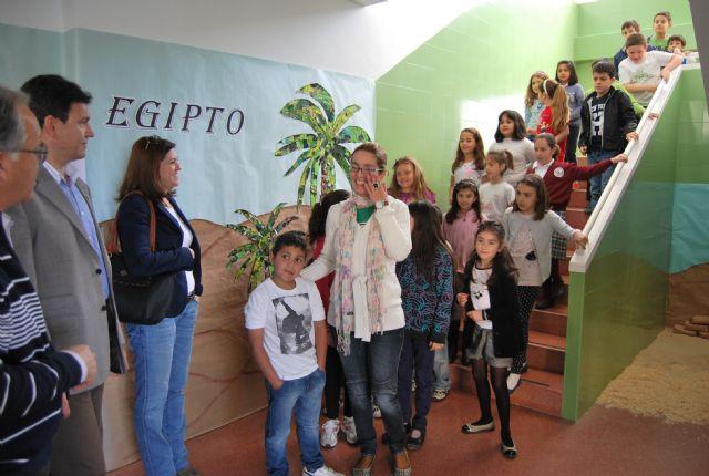 El alcalde y la concejala de Educación viajan con Julio Verne de la mano de los niños del centro Ricardo y Codorniu, Foto 3
