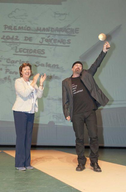 Carlos Salem y Begoña Oro se convierten en la fuente de inspiración de un joven escritor - 1, Foto 1