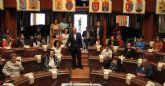 Más de 30 usuarios del Centro de Día para Personas Mayores de Puerto Lumbreras visitan la Asamblea Regional