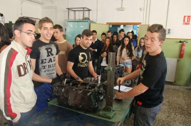 El proyecto DI.CUAL muestra a los alumn@s de secundaria diversas opciones formativas - 3, Foto 3
