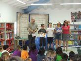 Los niños de los colegios tambi�n escriben cuentos y cuentan con su propio concurso