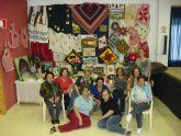 Las alumnas del taller de artesanía expusieron en La Grajuela