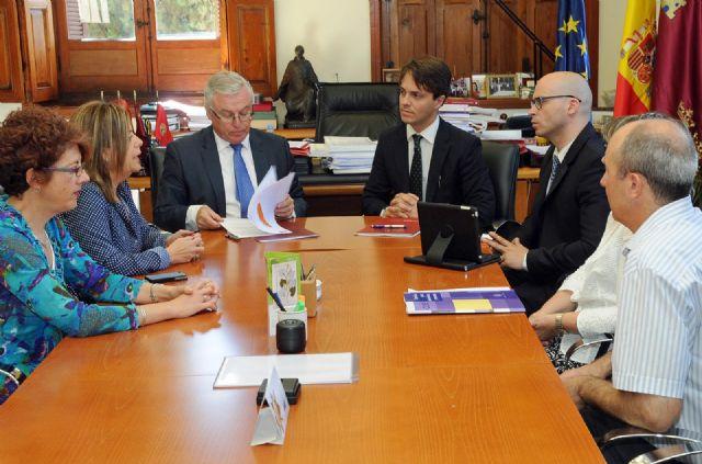 Alumnos de la Universidad de Murcia realizarán prácticas en empresa puntera de climatización, Foto 1