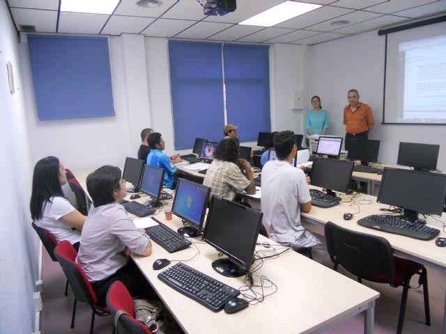 Se clausura el curso de Ofimática e Internet ofertado por Empleo y Desarrollo local, Foto 1