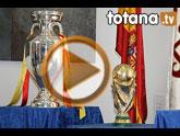 Totana recibe los trofeos del Mundial y la Eurocopa de fútbol logrados por la selección nacional absoluta de fútbol