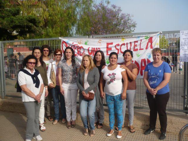 La FAPA Juan González denuncia la supresión del transporte escolar que afectará a muchos de alumnos de primaria y secundaria de la Región de Murcia, Foto 2