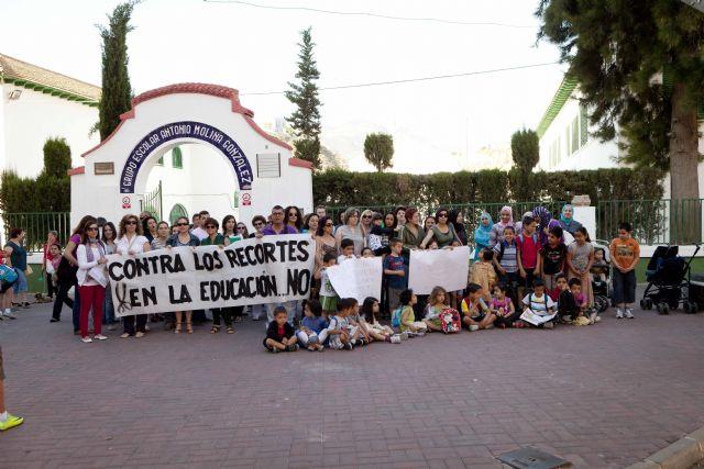La FAPA Juan González denuncia la supresión del transporte escolar que afectará a muchos de alumnos de primaria y secundaria de la Región de Murcia, Foto 4