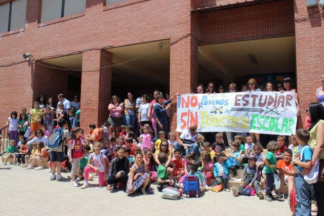 La FAPA Juan González denuncia la supresión del transporte escolar que afectará a muchos de alumnos de primaria y secundaria de la Región de Murcia, Foto 5