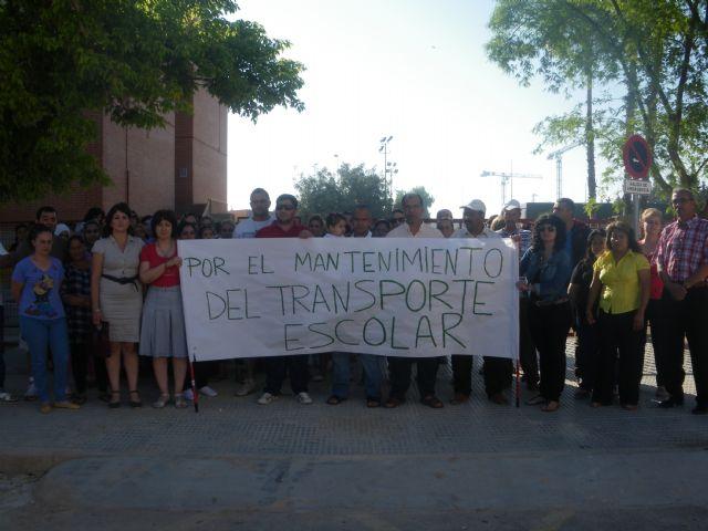 La FAPA Juan González denuncia la supresión del transporte escolar que afectará a muchos de alumnos de primaria y secundaria de la Región de Murcia, Foto 7