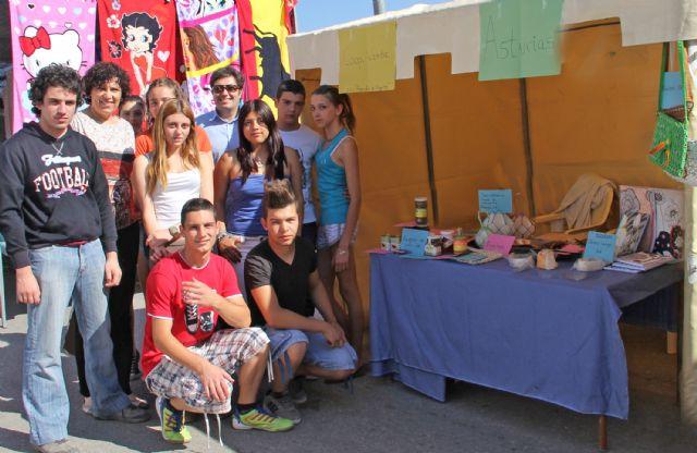 Alumnos del IES Rambla de Nogalte crean una empresa con la que participan en el Mercado Semanal del municipio a través del Proyecto EJE - 1, Foto 1
