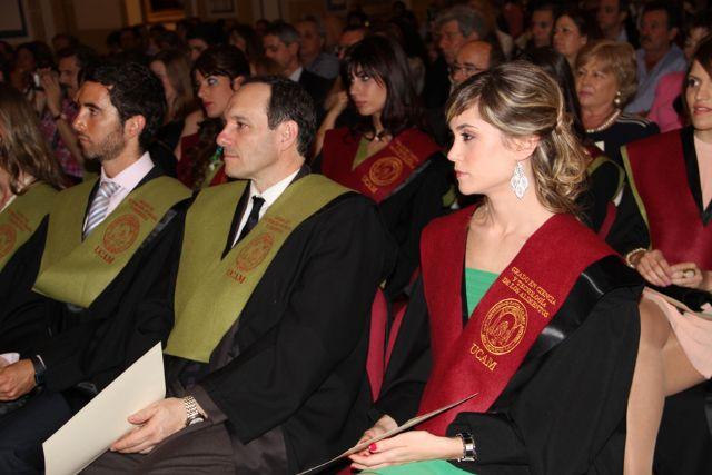 Los nuevos nutricionistas y tecnólogos de los alimentos de la UCAM reciben sus Becas y Diplomas acreditativos - 1, Foto 1