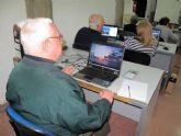 Los abuelos se ponen al día con los ordenadores