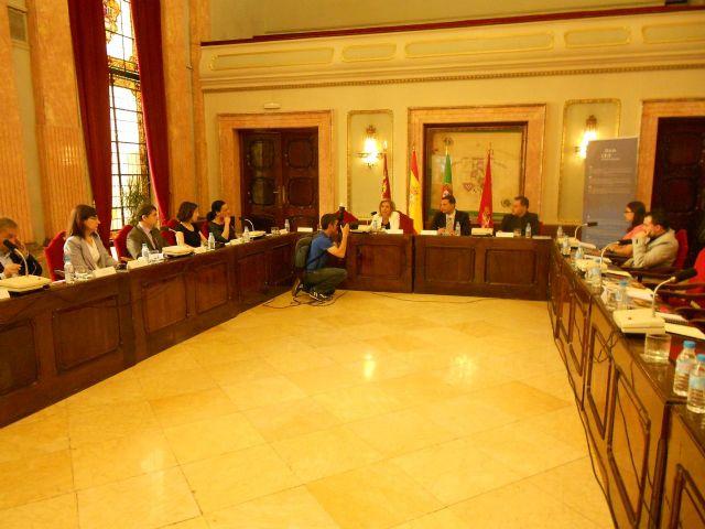 Martínez-Cachá presenta el Acuerdo de Murcia, que contiene la hoja de ruta para implantar la movilidad eléctrica en las ciudades - 2, Foto 2