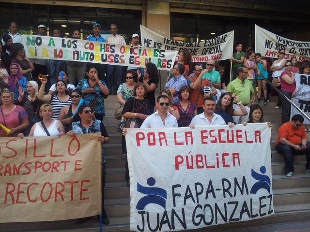 La FAPA Juan González exige a la Consejería que no suprima las líneas de transporte escolar el próximo curso, Foto 1