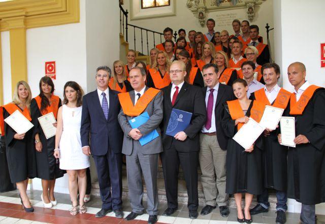La I Promoción del UCAM International Business Certificate recibe sus Becas y Diplomas Acreditativos - 1, Foto 1