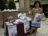 El Ayuntamiento de Lorca recuerda con una mesa informativa que 'el tabaco no sólo perjudica tu salud'