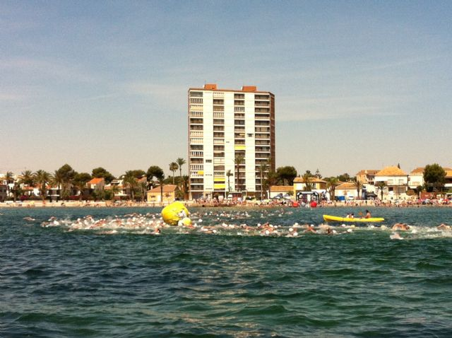 La Travesía a nado Playas de San Javier superó los 500 nadadores, en Santiago de la Ribera - 1, Foto 1
