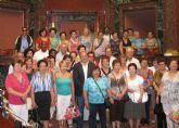 Más de medio centenar de vecinos de la pedanía La Estación-Esparragal visitan la Asamblea Regional