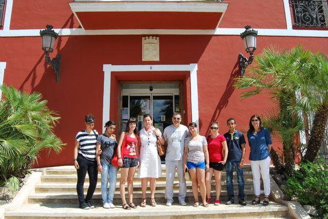Alumnos del 1° curso del Ciclo Formativo de Gestión Administrativa del IES Miguel Hernández visito el Ayuntamiento, Foto 2