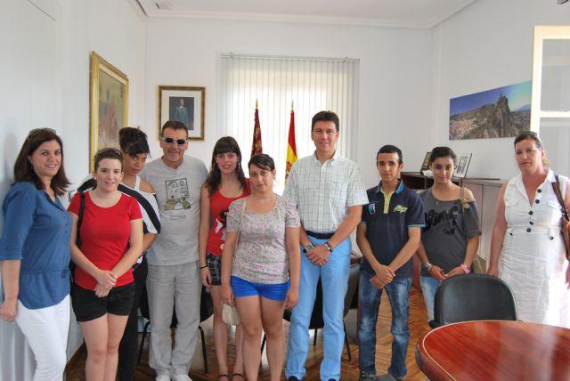 Alumnos del 1° curso del Ciclo Formativo de Gestión Administrativa del IES Miguel Hernández visito el Ayuntamiento, Foto 4