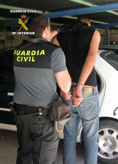 La Guardia Civil detiene al presunto responsable de dos atracos en la vía pública - 1, Foto 1
