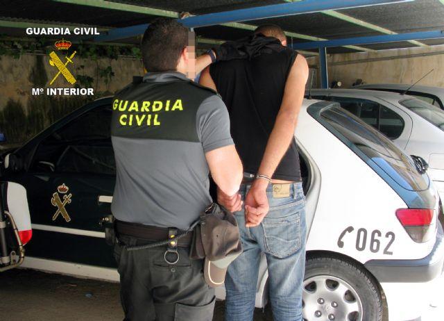 La Guardia Civil detiene al presunto responsable de dos atracos en la vía pública - 2, Foto 2