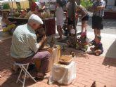 El mercado artesano de La Santa, que se celebra en el atrio del santuario cada mes, se despide hasta septiembre