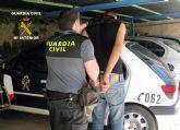 La Guardia Civil detiene al presunto responsable de dos atracos en la vía pública