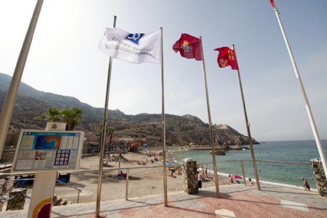 Las once banderas con la Q de calidad turística ya ondean en el litoral cartagenero - 2, Foto 2