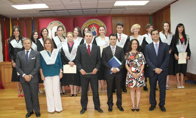 Acto de Imposición de Becas y Entrega de Diplomas a los alumnos de la IV Promoción del Máster Oficial en Protocolo y Consultoría de Imagen de la UCAM - 1, Foto 1