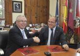 Los universitarios de Puerto Lumbreras recibirán ayuda económica para estudiar en el extranjero, según un convenio con la Universidad de Murcia
