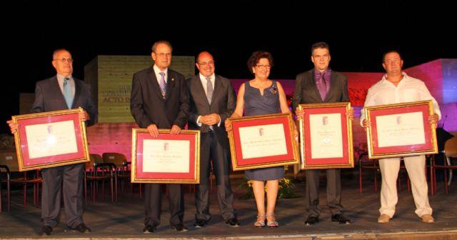 Puerto Lumbreras otorgó galardones y distinciones a ciudadanos y entidades locales con motivo del Día de la Independencia - 2, Foto 2