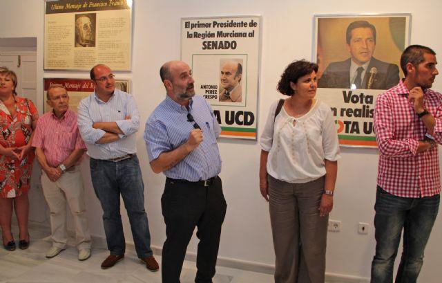 Inaugurada la exposición 'Miradas y Palabras sobre la Transición en la Región de Murcia que se expone en la Casa de los Duendes hasta el 30 de julio - 1, Foto 1