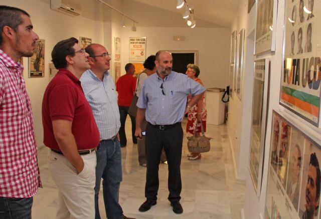Inaugurada la exposición 'Miradas y Palabras sobre la Transición en la Región de Murcia que se expone en la Casa de los Duendes hasta el 30 de julio - 2, Foto 2