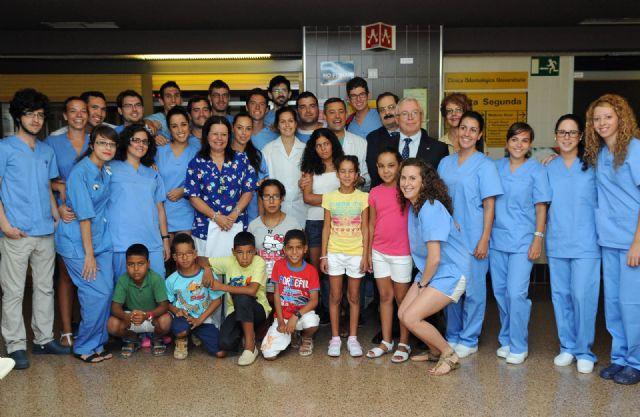 150 niños saharauis pasan revisiones médicas en la Universidad de Murcia - 1, Foto 1